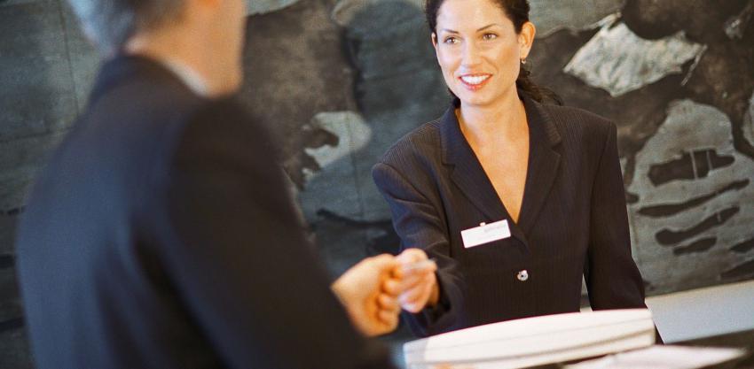 Υποδοχή - Εστιατόριο-Cocktail bar - Χερσόνησος εικόνα αγγελίας εργασίας