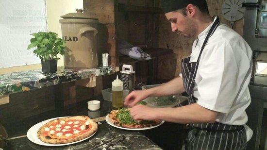 Πιτσαδόρος - Ιταλικό εστιατόριο - Σταλίδα εικόνα αγγελίας εργασίας