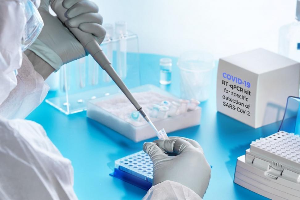 Βρετανία: Το εμβόλιο της Οξφόρδης και της AstraZeneca θα προσφέρει διπλή προστασία blog image